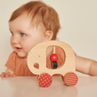 Petitcollage Dřevěný slon na kolečkách